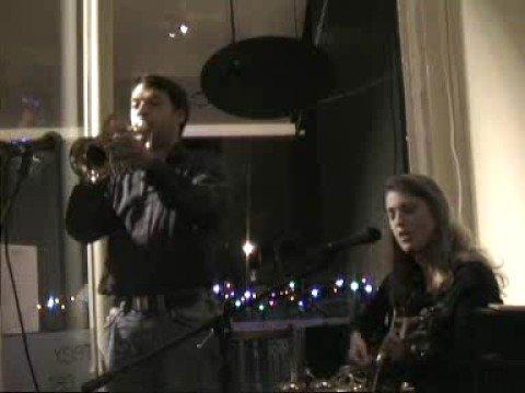Perhaps, Perhaps, Perhaps (live!) - Terry & Nico -...
