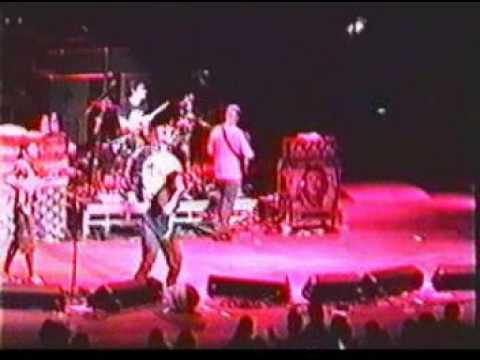 05 - Rage Against The Machine  - Vietnow (Live)