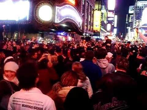 Super Bowl Times Square .AVI