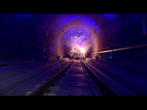 Schweiz Längster Eisenbahntunnel Der Welt Ist Befahrbar Youtube