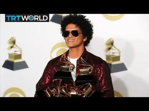 Download The Grammy Awards: R&B's Bruno Mars wins top three awards