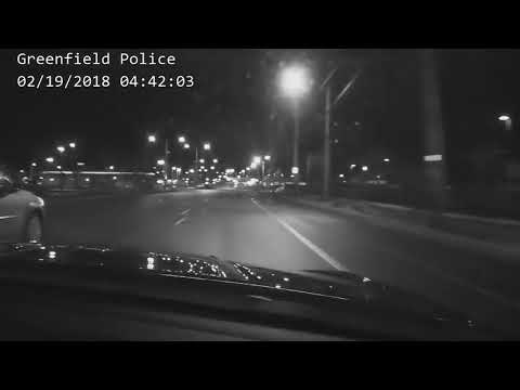 FULL VIDEO: Police chase ends in crash in Milwaukee's south side