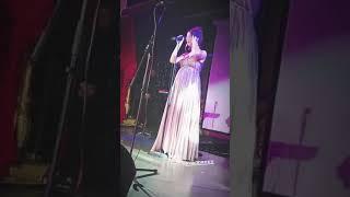 Нюша поёт песню Уитни Хьюстон (InstaStories, свадьба Ирины Медведевой, 20.07.18)