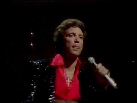 Tom Jones - Daughter Of Darkness - 1983