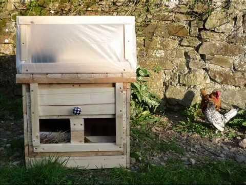 Home-made Chicken-Heated Seed Propagator - Alternative Henergy. Mini-serre chauffée à la volaille