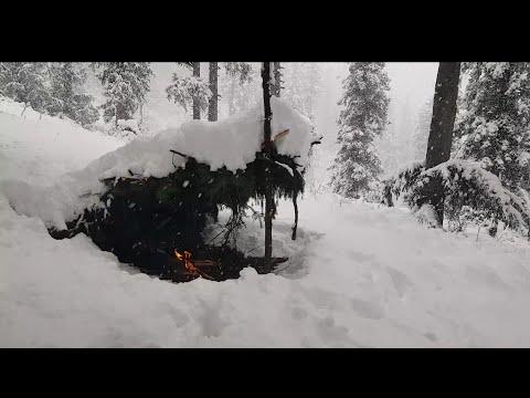 Winter survival challenge   building primitive shelter, Axe, cooking, bushcraft (silent)