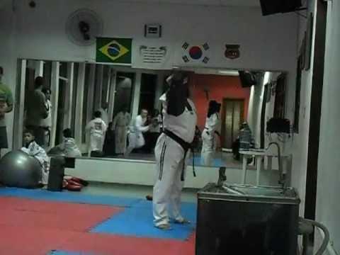 Treino de taekwondo equipe Liga Leste