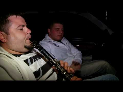 Live Albanian Music On The Streets Of NYC (HD)