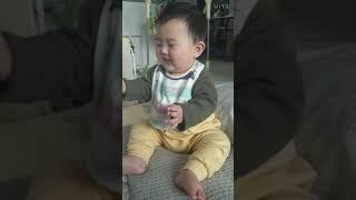 7개월아기 - 오볼 두피마사지에 간질간질~ 기분이 날아…
