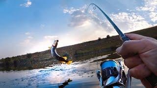 ВИ ПОВИННІ ЦЕ ПОБАЧИТИ - РИБАЛКА У ЗАБРОД! РАТТЛИНЫ РУЛЯТЬ   Щука на воблери. Рибалка у вересні