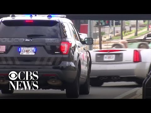 Cops go undercover to catch drivers texting