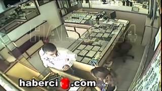 Erzincan da Kuyumcu Soygunu Kameraya Yansıdı