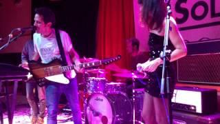 Sr Nadie y Eva Amaral - Me duele la cabeza ( Sala El Sol 15/11/13 ) En Directo