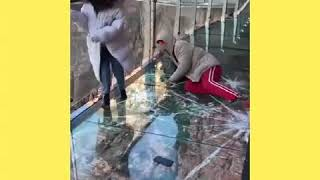 Glass bridge in China - cracks effect