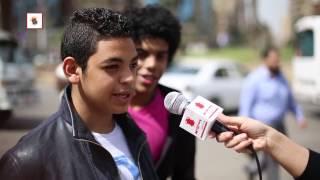بالفيديو- شنطة مراتك فيها إيه؟