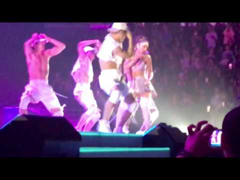 Ariana Grande- Side to Side- Chicago- United Center- Dangerous Woman Tour 3/14/17