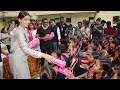Sonam Kapoor Distributed Sanitary Pads To School Girls To Promote Akshay Kumar's Padman