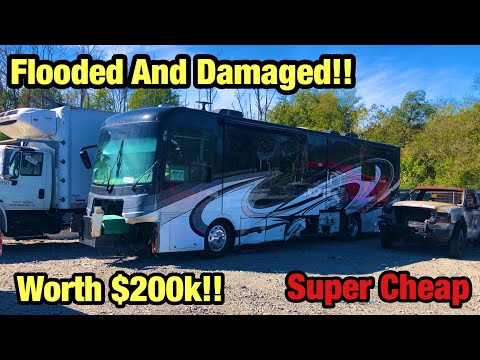 Looking at A Wrecked 2018 Freightliner Chassis Motorhome Rv Worth $200,000 At Copart Salvage Auction