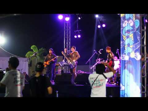 Sore - Sssst (Live In LOL.YK Plaza Ambarrukmo 8/9/2017)