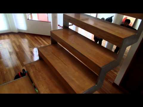 Soportes de metal para escalera de metal y madera - YouTube
