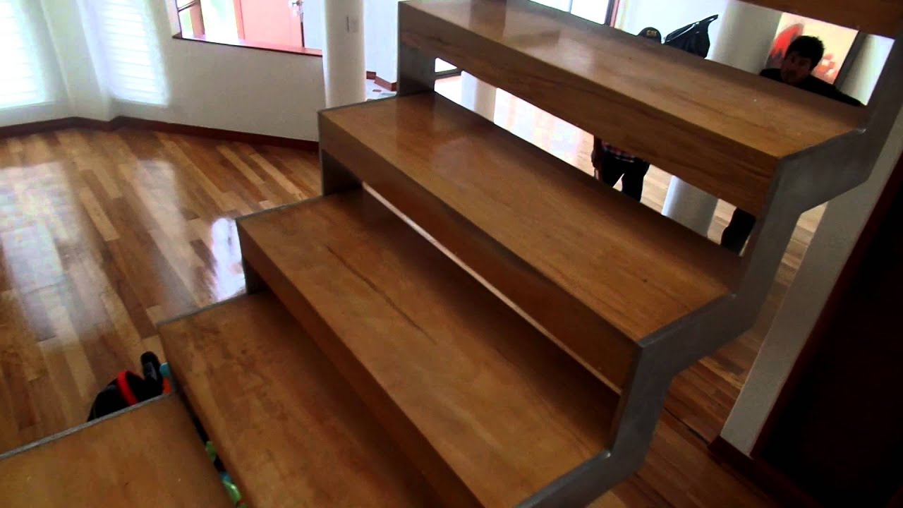 Soportes de metal para escalera de metal y madera youtube for Escaleras exteriores