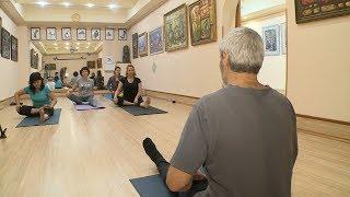 Волгоградский пенсионер открыл школу классической йоги
