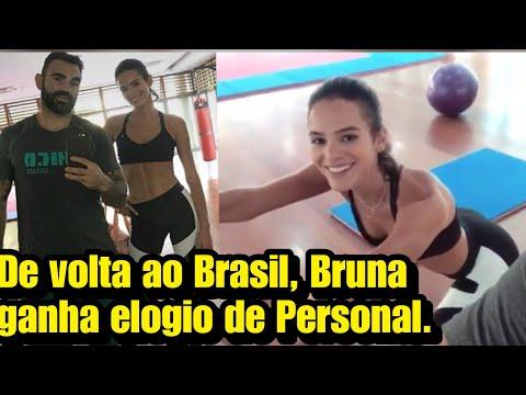 De volta ao Brasil Bruna ganha elogio de Personal Trainer