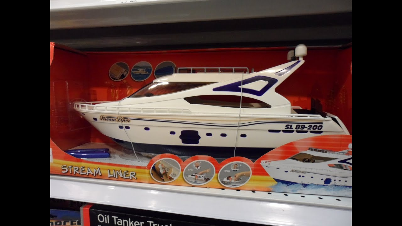 BEST DICKIE TOYS OF GERMANY MOTORIZED STREAM LINER YACHT
