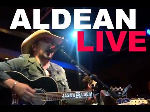 Jason Aldean  live in Nashville