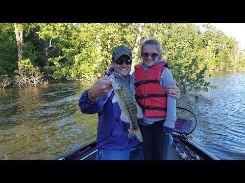 Table Rock Lake Video Fishing Report May 23, 2017