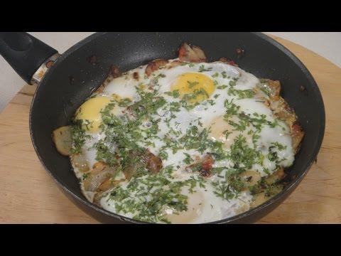 Papeta Par Eeda (Parsi Style Potato And Eggs)