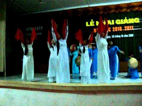 múa quê hương.lớp 33MN và 34 Nhạc Trường CDSP Vĩnh Long