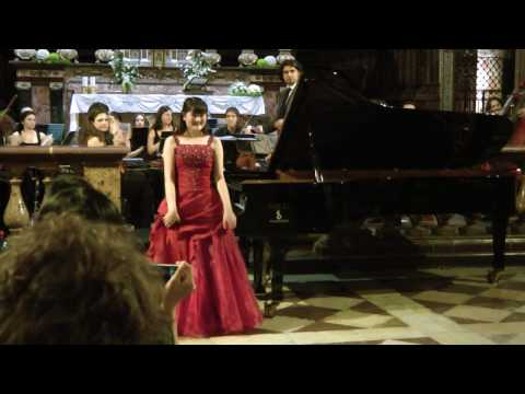 Umi Garrett plays Mozart Piano Concerto No.22 in E-flat major, K.482 3rd Mov.