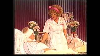 Tineke Schouten als verpleegster