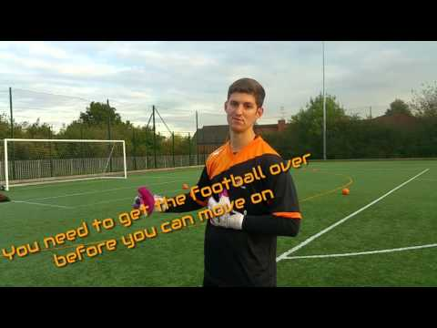 HOW TO TAKE A GOAL KICK IN SOCCER (PRACTICE)