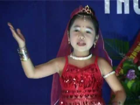 alibaba Bé Thùy Dương múa