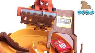 Убежать от Френка! Молния Маккуин, Шериф и Другие Машинки на Треке от Disney Pixar Cars