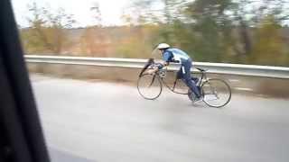 Рекорд скорости на велосипеде устоял, по техническим причинам.(Пробный пробег без ручного привода - 55 км/час. Погодные условия, на сей раз, не позволили установить новый..., 2015-11-09T21:53:45.000Z)