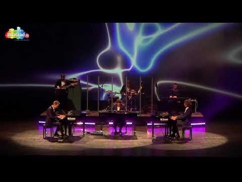 В Архангельске прошло уникальное шоу трех роялей Bel Suono