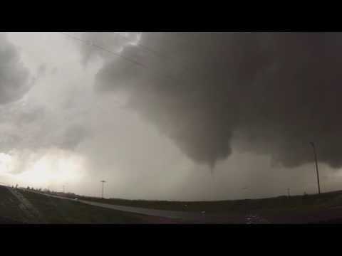 Surprise Tornado near Fairfield, Nebraska May 9, 2016