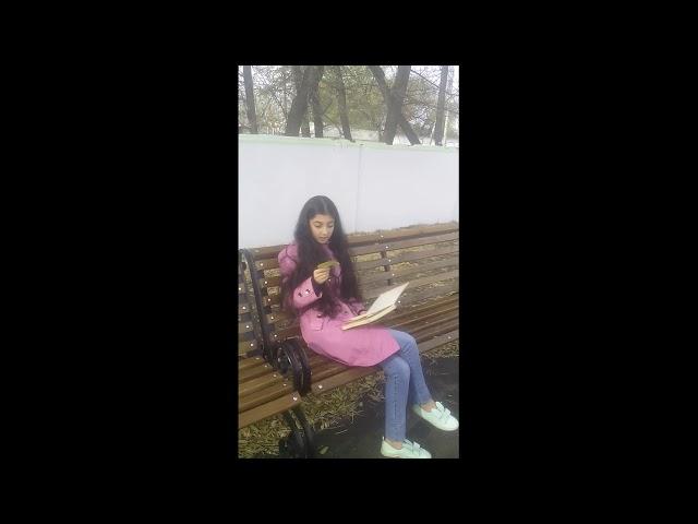 Изображение предпросмотра прочтения – ЛаманьГусейнова читает произведение «Как грустный взгляд, люблю я осень» И.С.Тургенева
