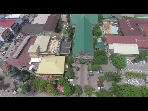Bud Brown in Dumaguete - Drone Flight above Quezon Park