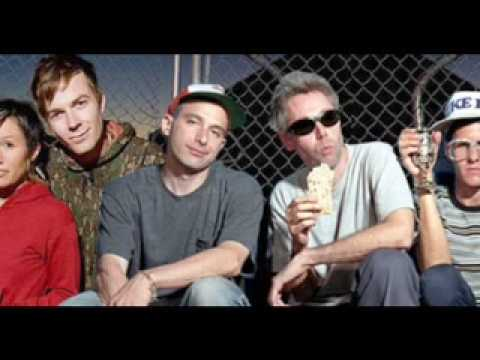 Beastie Boys vs Matt and Kim - Good Ol' Fashion Rump Shaker (mixed by The Hood Internet)