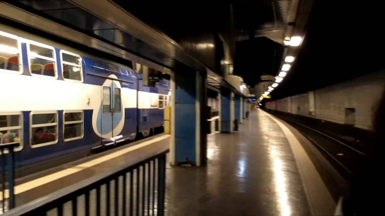 Rer c train arrives at gare d 39 austerlitz station paris for Train tours paris austerlitz