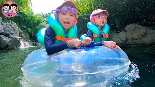 หนูยิ้มหนูแย้ม | เล่นน้ำสไลเดอร์ ล่องแก่งลอดถ้ำ Kids playing in Water park and water slide