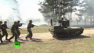 Испытания боевого робота с пулеметом и гранатометом под Серпуховым