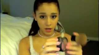 Makeup tutorial by Ariana Grande (I don
