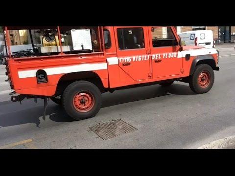 vigili del fuoco piccolo incidente stradale su intervento car accident between fire truk and. Black Bedroom Furniture Sets. Home Design Ideas