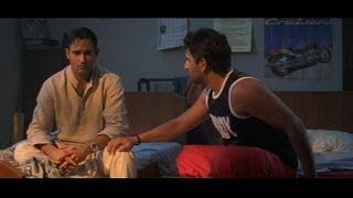 Akshaye Khanna confesses to Arshad Warsi  that he loves Kareena Kapoor (Hulchul)