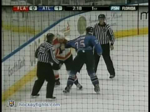 Olli Jokinen vs Andy Sutton Nov 25, 2006